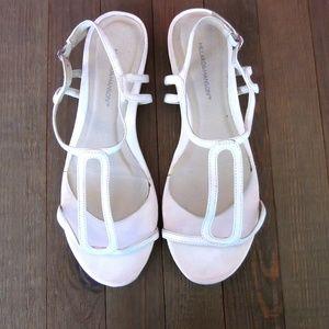Hillard & Hansen White Sandals Size 7